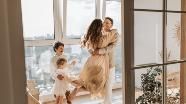 Trendy looks for a modern mom!